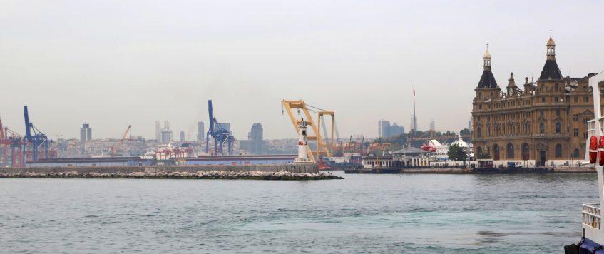 Floating Crane Zakhariy is at Haydarpasa Port!